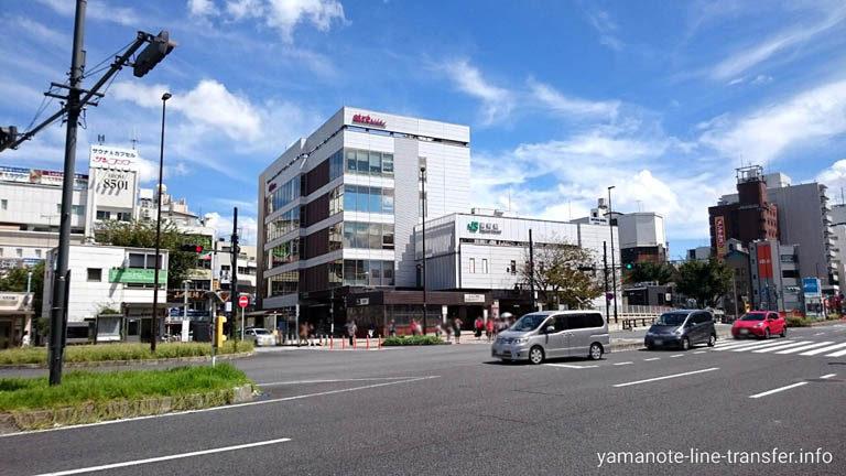 JY11 山手線 巣鴨駅 外観写真