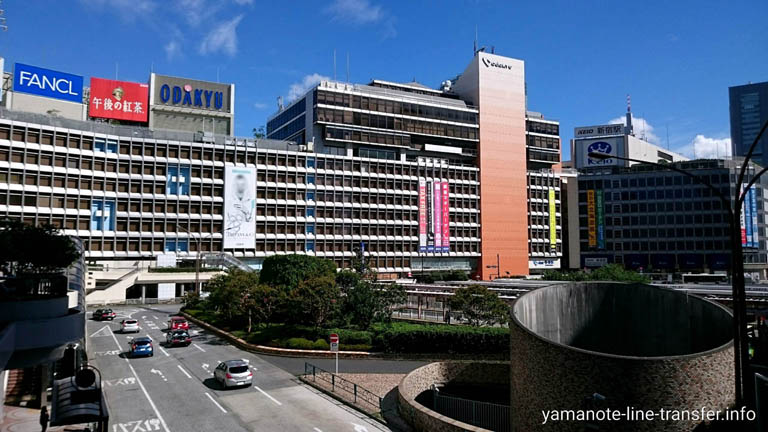 山手線 新宿駅 外観写真